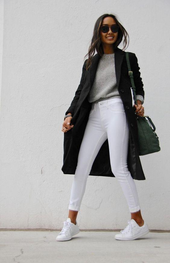 Já sabemos que a Calça Branca combina com tudo, mas nunca é demais looks lindos e novas combinações para nos inspirar e nos fazer usar nossas peças do guarda-roupa de uma maneira nova! Aposte em looks com tons (1)